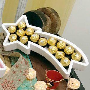 Bandeja de corcho en forma de estrella de Navidad. 35x19cm