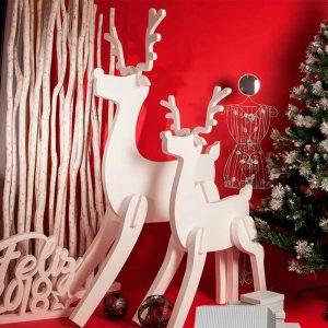 Reno de corcho para decoración de Navidad. 180x90cm